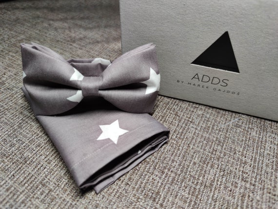 Set bow tie and pocket cloth bow tie and handkerchief, grey with white stars