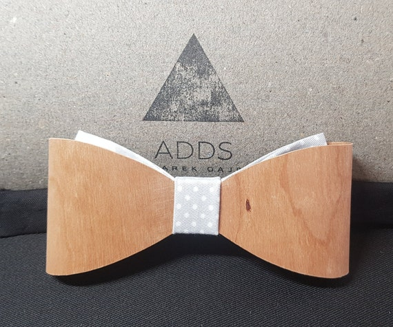 Wood fly, bow tie.