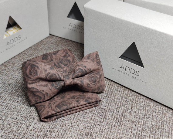 Set Bow tie and handkerchief bow tie and handkerchief, Brown roses