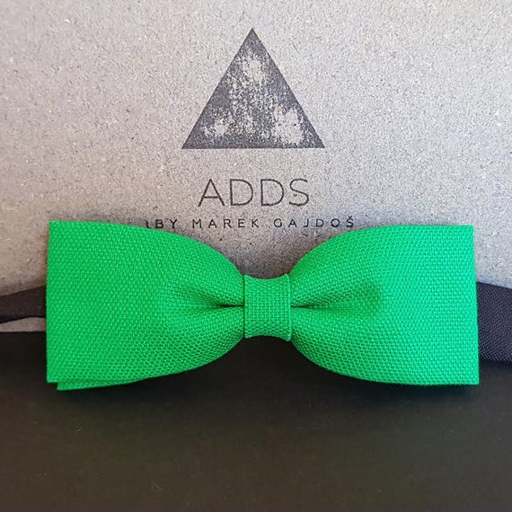 Fly, bow tie.