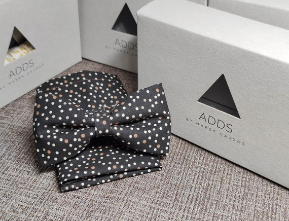 Set bow tie and handkerchief bow tie and handkerchief, black with dots