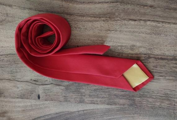 Tie / Men's Accessory / Accessory / Tie / Red
