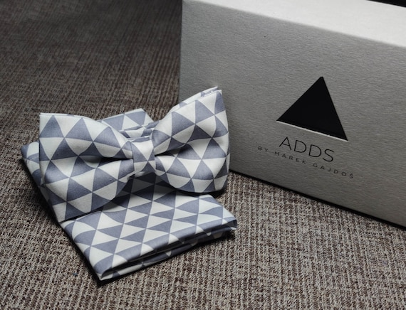 Set fly and pocket towel bow tie and handkerchief, grey - white with triangle pattern