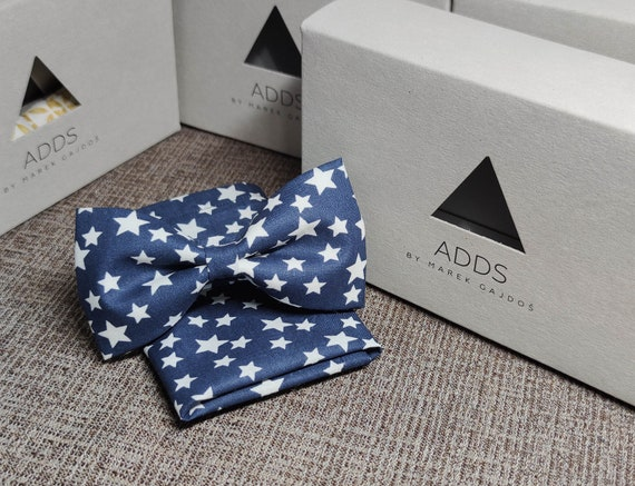 Set bow tie and handkerchief bow tie and handkerchief, blue with stars
