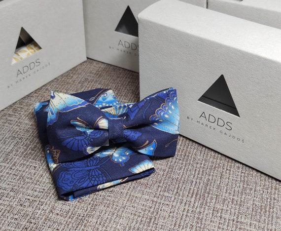 Set bow tie and handkerchief, butterflies