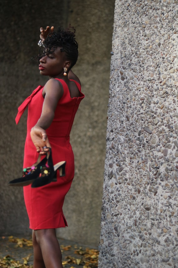 Vintage 80s Juliane van Hees Red Figure Flattering