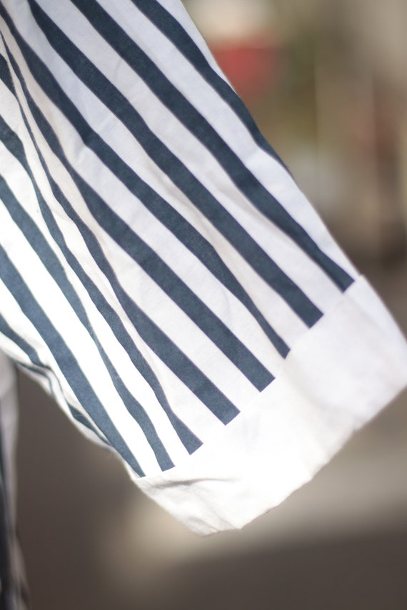 VIntage Striped Cotton Blouse with Statement Coll… - image 9