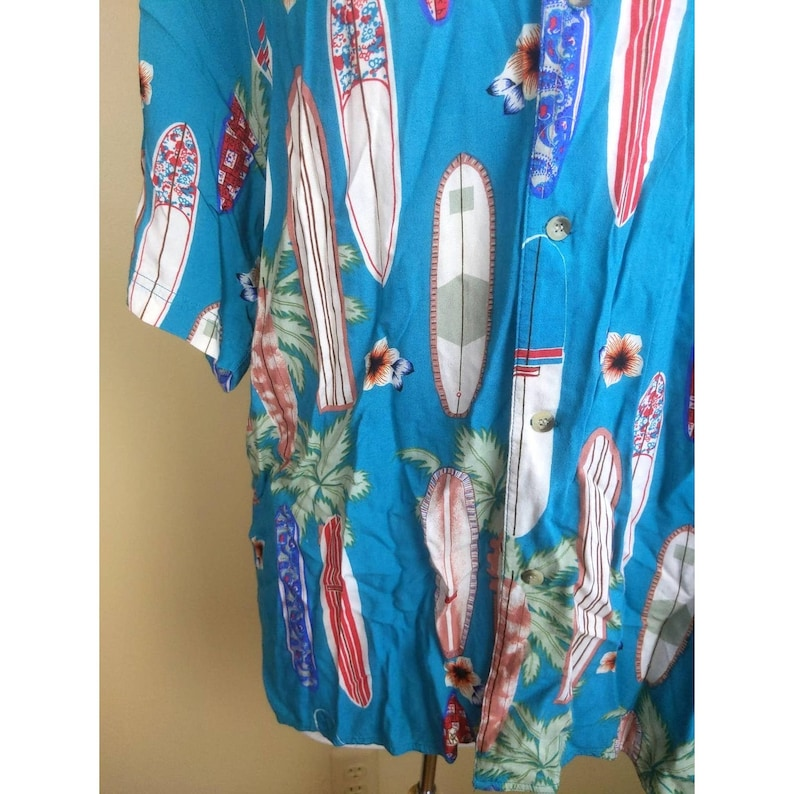 Vintage Surf Longboard Button Down Retro Father/'s Day Gift Dad Birthday Gift 90s Men/'s Thums Up Blue Hawaiian Shirt Palm Trees Pattern