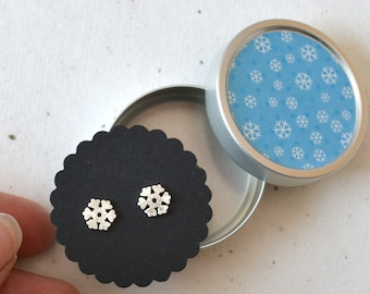 Ear studs Snowflakes, jewelry cans with snowflakes design