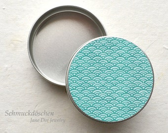Round can turquoise pattern Japanese Waves