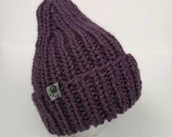 Cap with unstracted edge, purple
