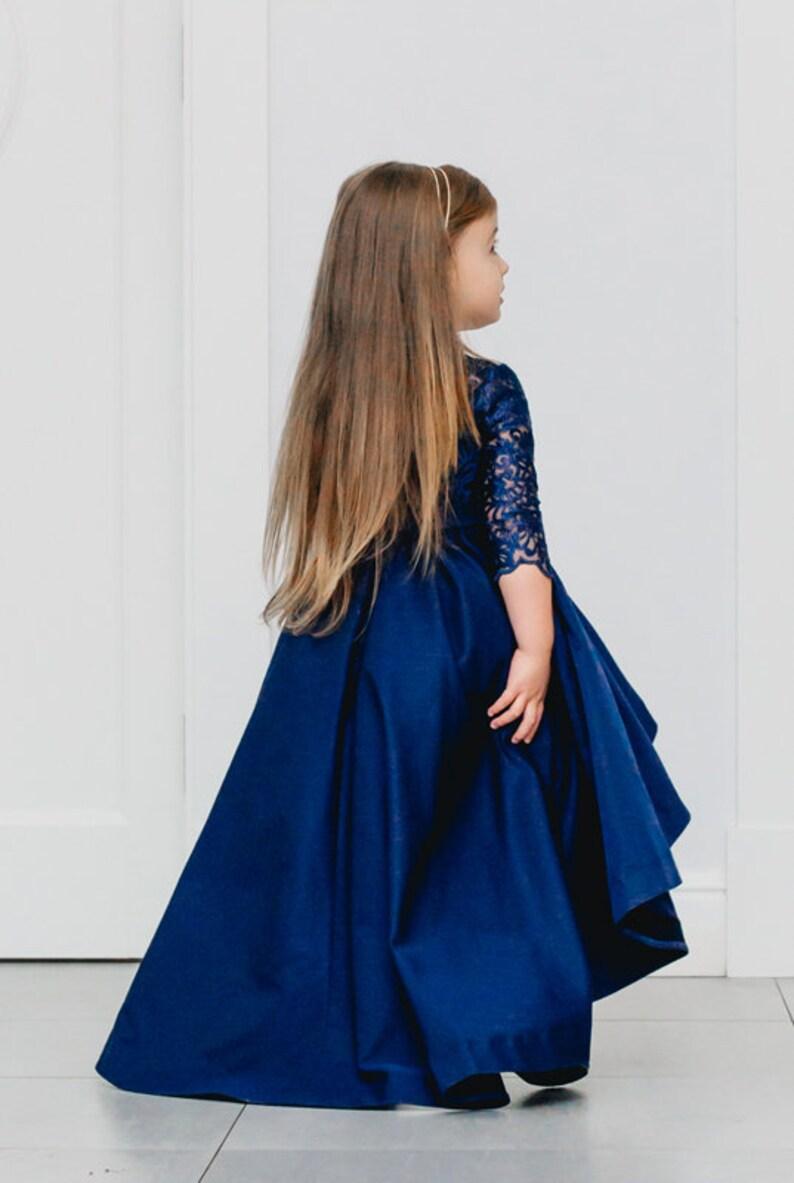 5445267809d57c ... Dziecięca koronkowa sukienka asymetryczna z ogonem dłuższy image 2 ...