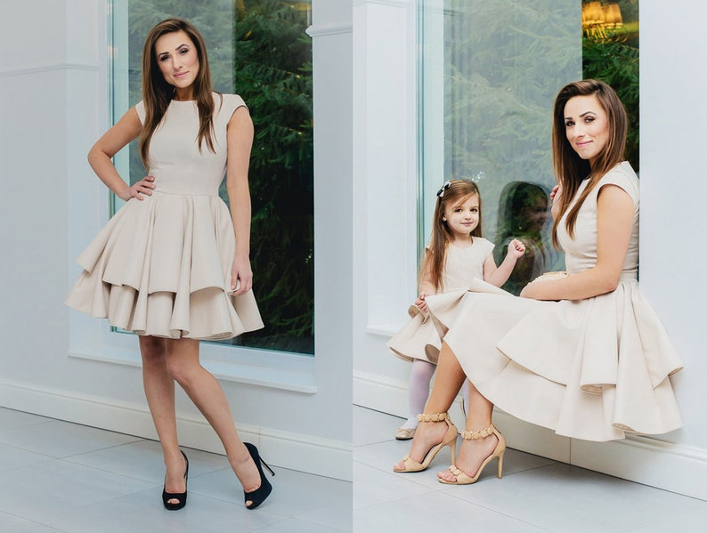 d6b2931bc4 Krótka sukienka na wesele sukienka z falbanami sukienka