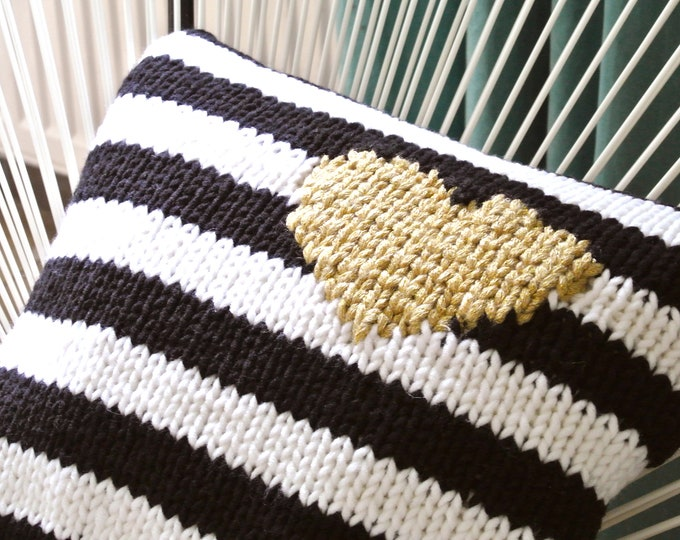 Knitted pillow strips-heart gold