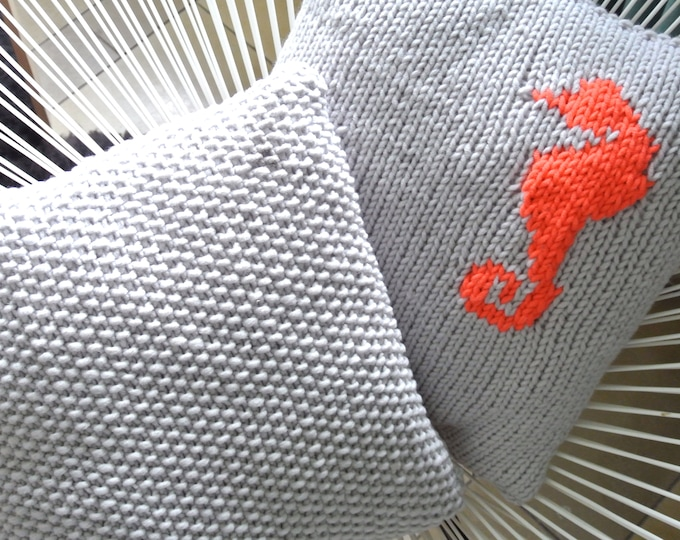Knitted Pillow seahorse Neon-Coral