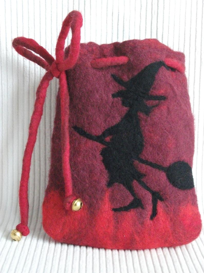Violet felt bag Witch & Cat HALLOWEEN hand-felted image 0
