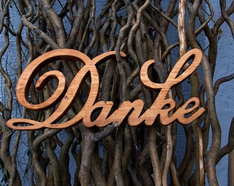 Thank you lettering from wood freestanding for wedding photos