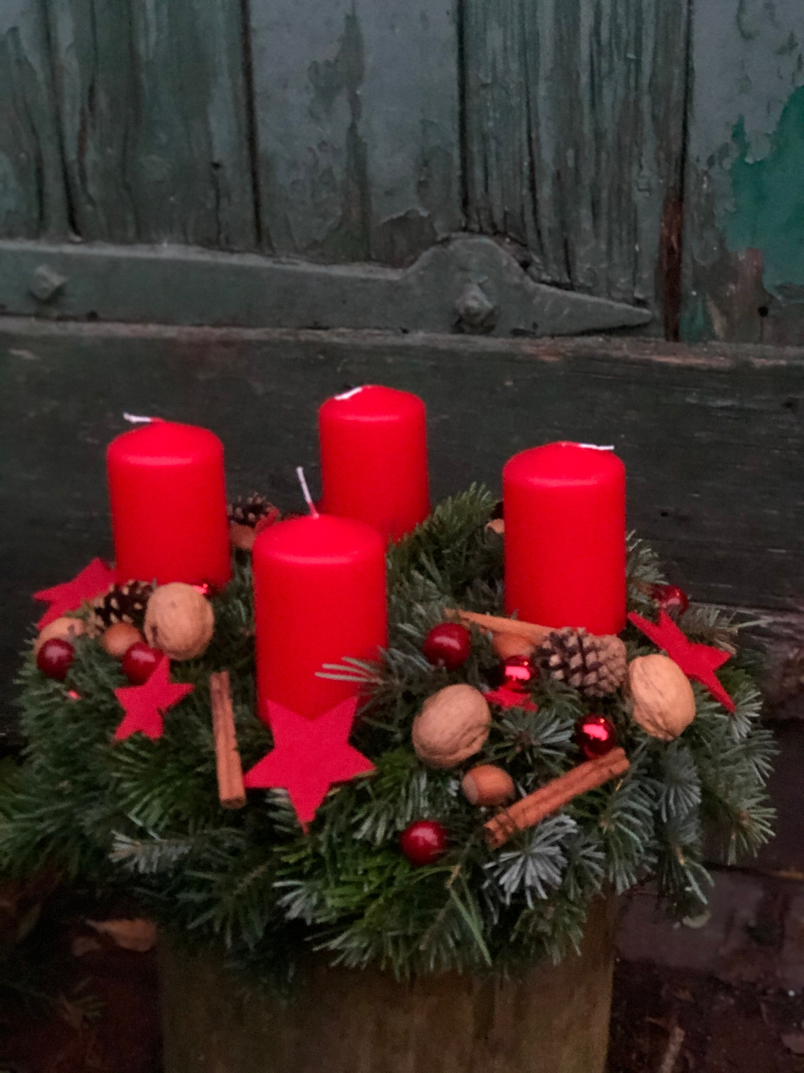 Advent wreath - Red magic with nuts - approx. 35 cm