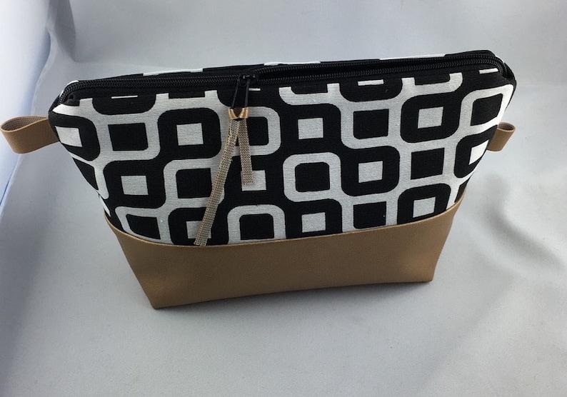 Cosmetic bag black gold 132 image 0