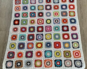 Baby blanket (124) - White colorful
