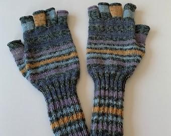 Market Women's Gloves (177)