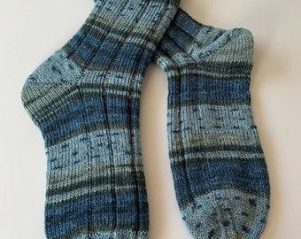 Hand-knitted men's socks blue grey (179)