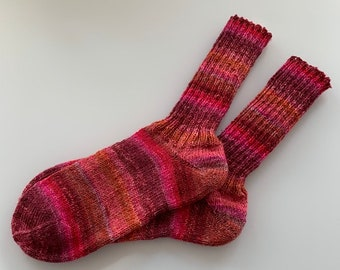 hand-knitted women's socks sizes 38/39 in red (87)