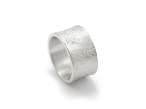 breiter Silberring mit Hohlkehle eismattiert / matter Bandring   Etsy