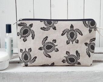 Cosmetic bag-caretta/black