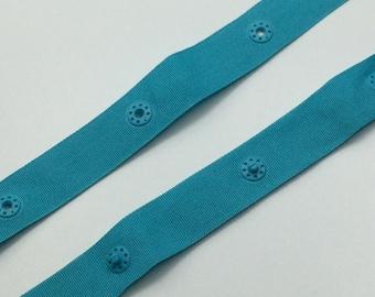Push-button strap, turquoise blue, button spacing: 5 cm (1 m - 2.95 EUR/meter)