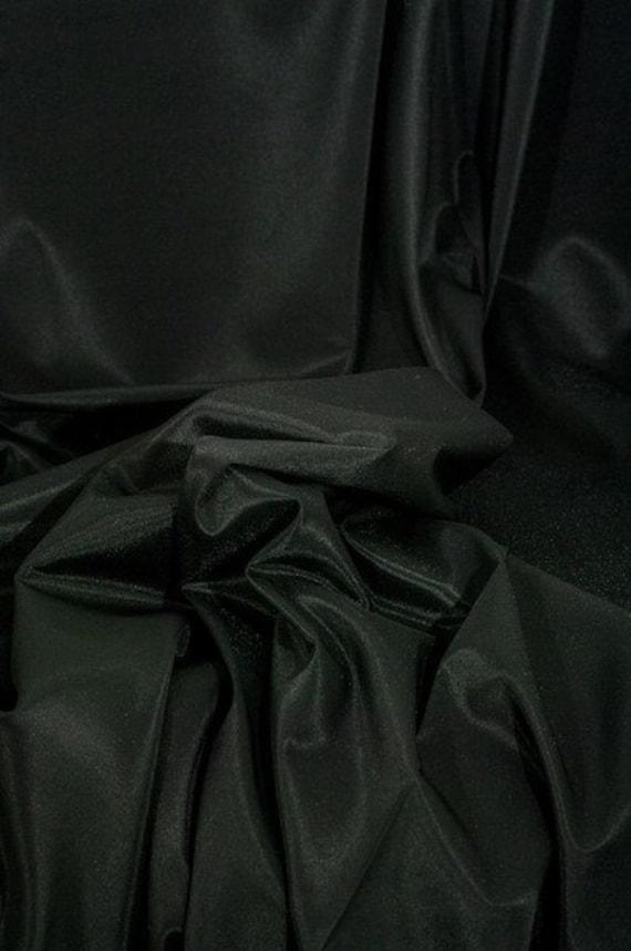 Nourrir le triacétate de polyamide, noir