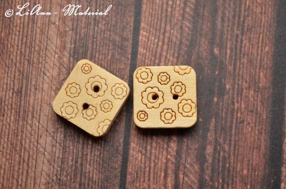 10 Perlmuttknöpfe viereckig 15 mm