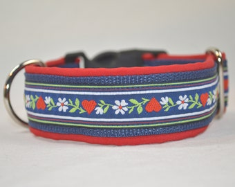 Dog choker 39 x 4cm Flowers on Blue with Red