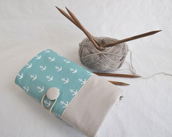 Knitting needle bag anchor on mint with beige