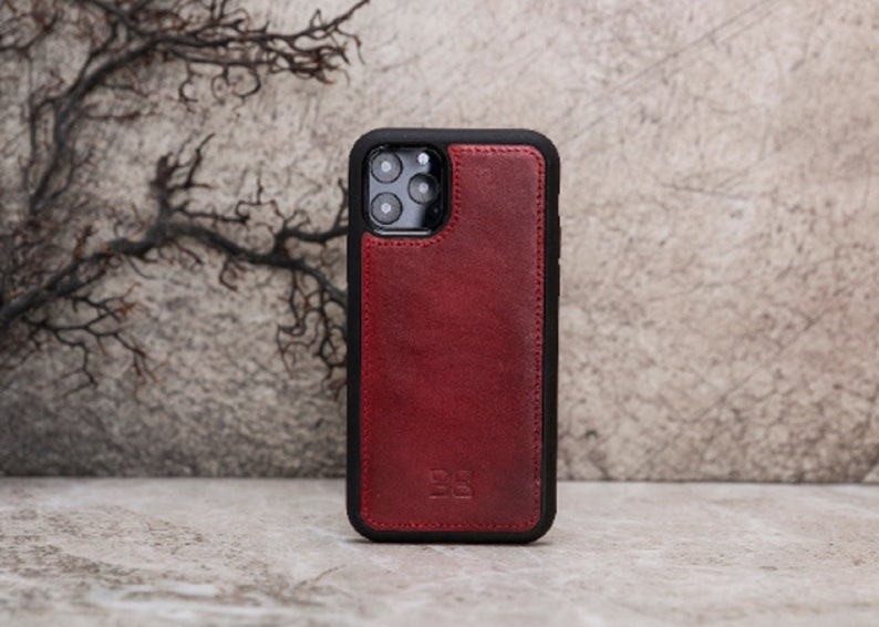 6.5/'/' Apple iPhone 11 Pro Max Handmade Burnished Red Genuine Leather Magnetic Detachable Wallet Case with RFID Protection by BoulettaCase