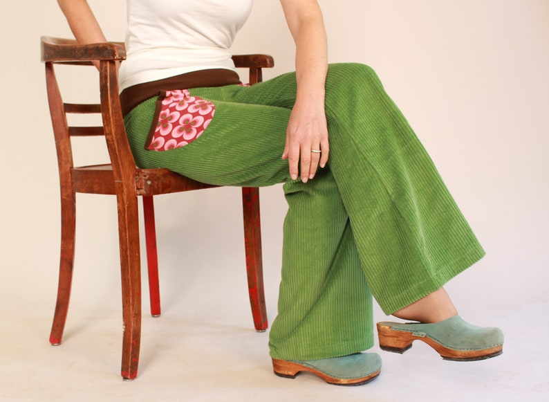 Pants in wide corduroy corduroy trousers flapping trousers image 0