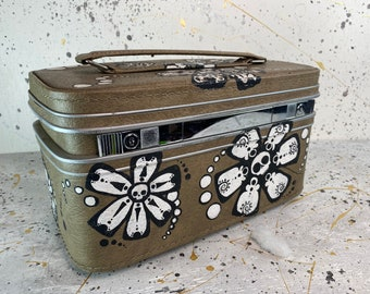 Travel Suitcase A very old suitcase made in 1959 in Bulgaria Vintage Jacquard Suitcase from the 50s Old suitcase Made of Jacquard