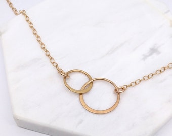 5498f44743 Rose Gold Sterling Silver Interlocking Entwined Circle Necklace | Gift For  Loved One | Mother Daughter Jewellery | Sister Necklace Gift