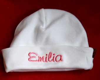Baby cap embroidered with name