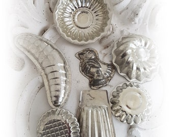 Old Baking and Chocolate Moulds Mould Mussel Chicks Metal Set 2