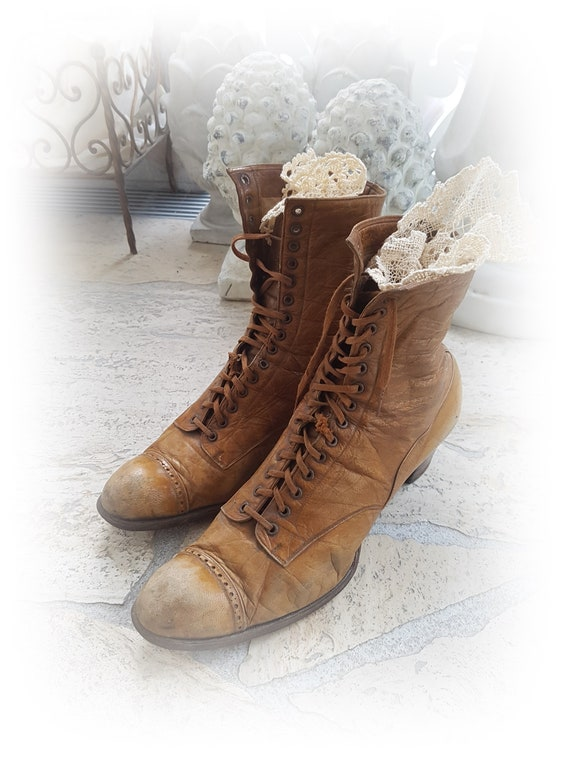 Antique Victorian lace-up boots Bottines