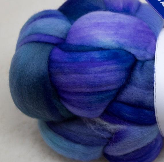 Merino Wool Roving, Comber Top, Spinning, Felting, Weaving, Hand Dyed, Jumbo Knitting, Malabrigo Nube - Azules