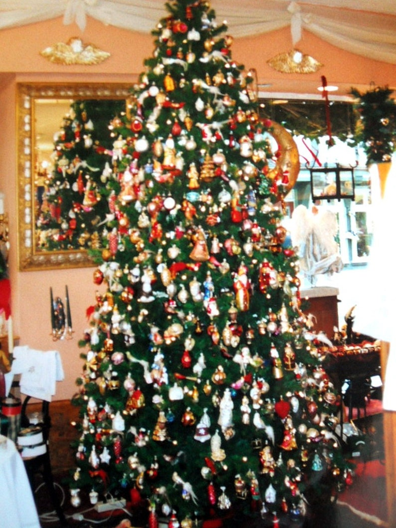 Old Christmas Tree Decorations Church In Lauscha Christmas Tree Ball Christmas Tree Christmas Decorations