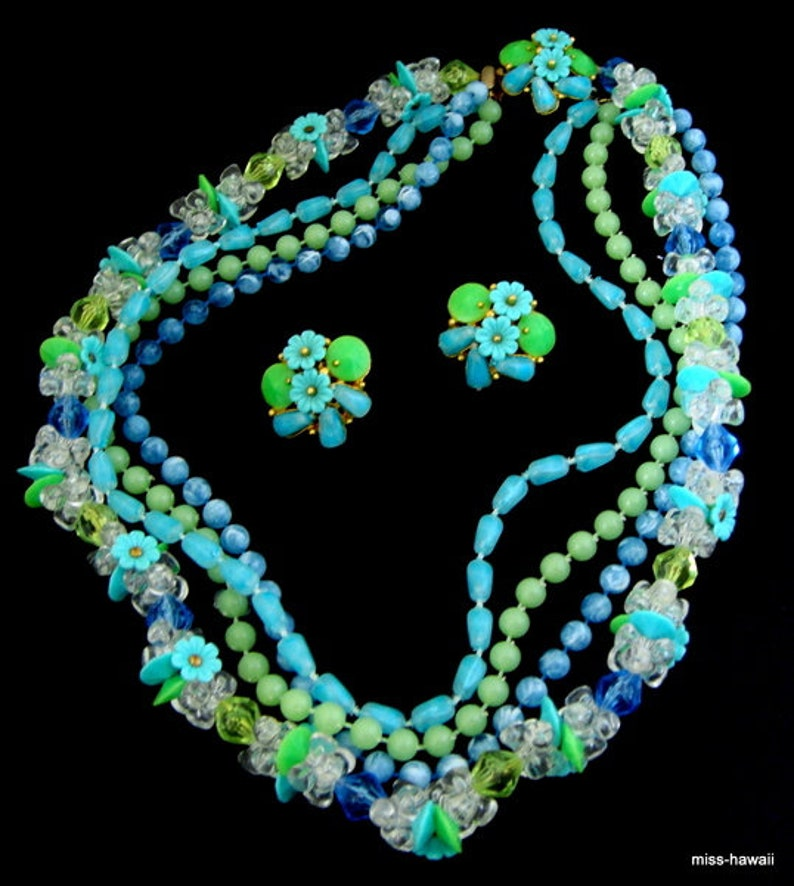 42 cm Flower Necklace /& 2.5 cm \u00d8 Clip Earrings earrings Set in turquoise neon green lime green White bells glass beads light blue and royal blue