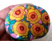 Lucky Charm Stone, Pebble, Hand Painted Stone, Meadow Flower Stone, Flowers Stone, Design Deco Modern Vintage Stone
