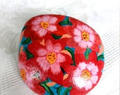 Lucky Charm Stone, Pebble, Hand Painted Stone, Gift Stone, Flowers Stone, Unique Stone, Decoration Modern Vintage Stone