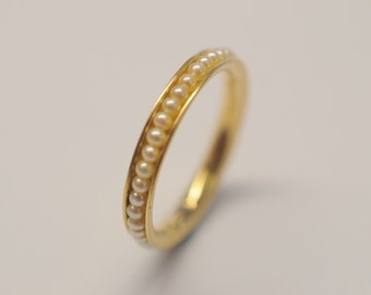 Women's ring made of 750 yellow gold with white freshwater pearls, gold ring, also as engagement ring