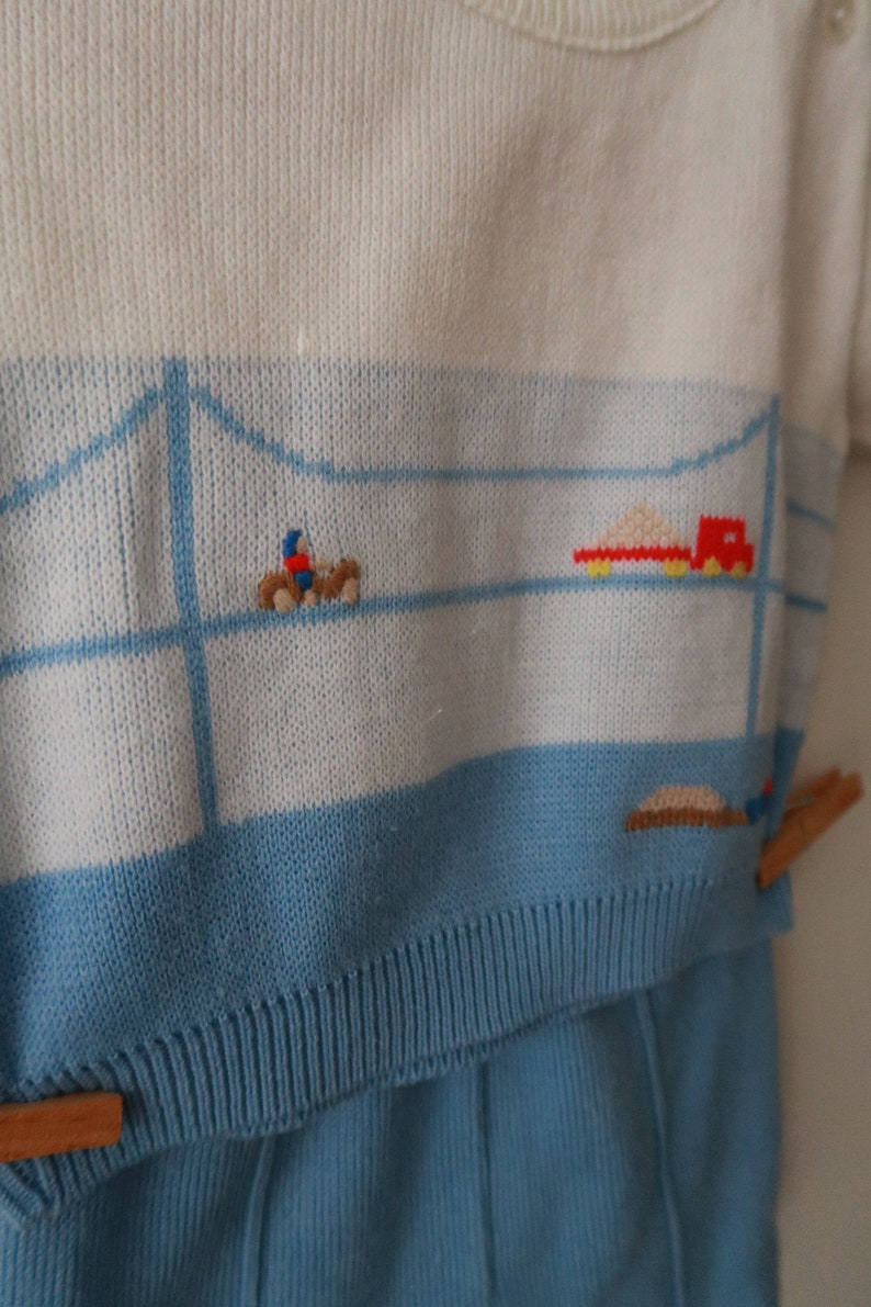 Vintage Knit Two-Piece with Bridge /& Truck