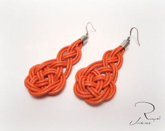Celtic leather and silver earrings, long earrings with macrame knots, hippie and bohemian earrings, autumn earrings.