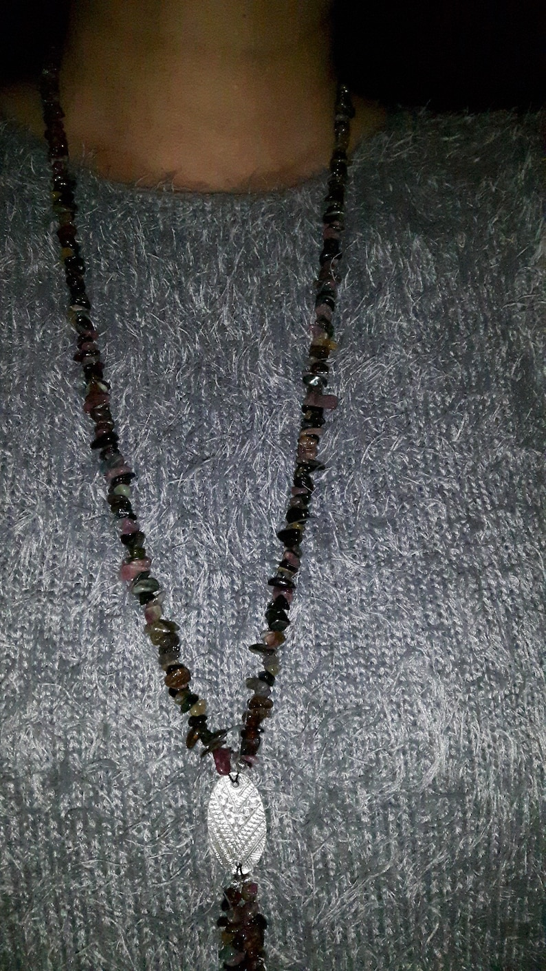 Gemstone necklace with tourmaline splinters and noble intermediate element made of 999 silver patterned on both sides